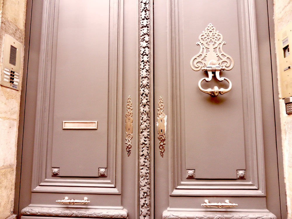 ferronnerie d 39 art atelier fer emeraude bordeaux heurtoir et platine de porte gironde aquitaine. Black Bedroom Furniture Sets. Home Design Ideas