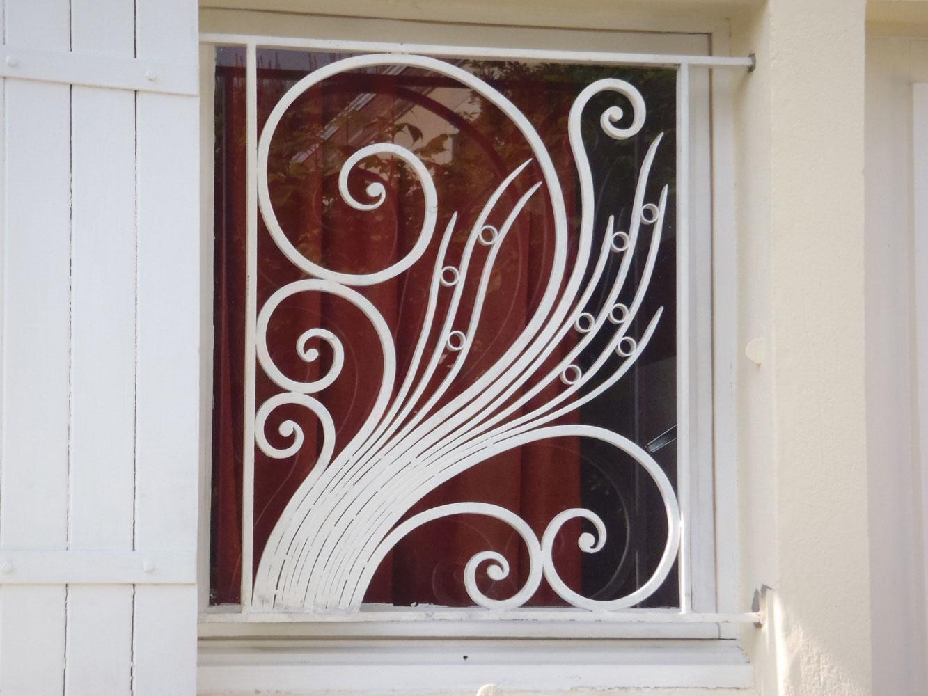 ferronnerie d 39 art atelier fer emeraude bordeaux portail porte grille gironde aquitaine. Black Bedroom Furniture Sets. Home Design Ideas